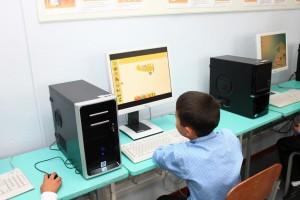 Computerklasse in Nechayenne in AktionIMG_8103 (1024x682)